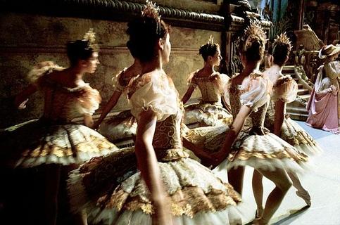 """En coulisse de """"La belle au bois dormant"""" de Rudolf Noureyev, ballet de l'Opéra National de Paris"""
