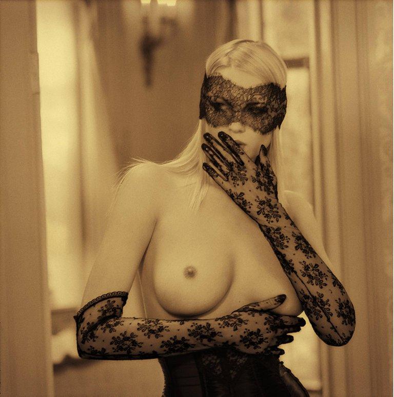 Golden Nude I