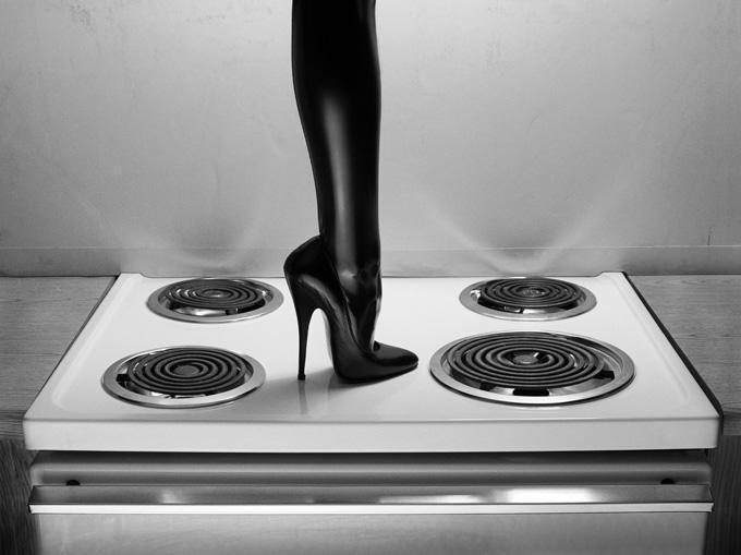 Heel on stove top