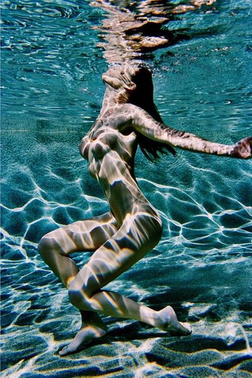 Carre Otis underwater color
