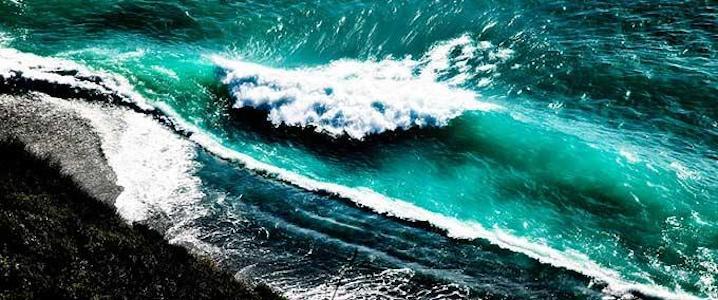 Crashin Waves