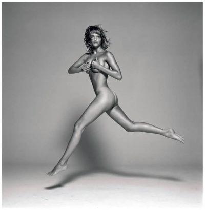 Helena Christensen jumping