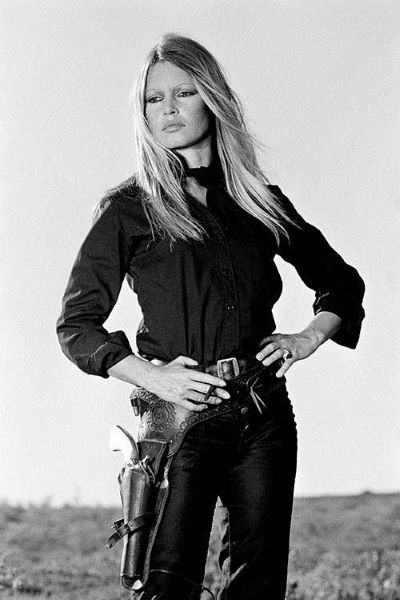 Brigitte Bardot hands on hips