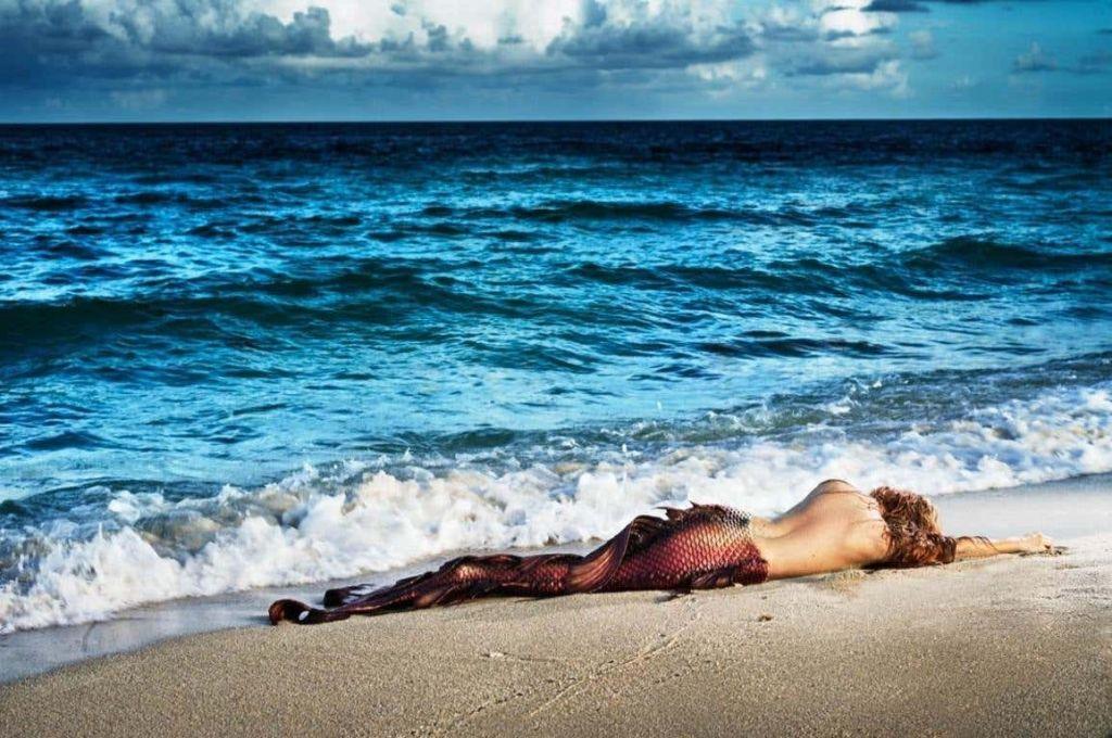 Mermaid in paradise
