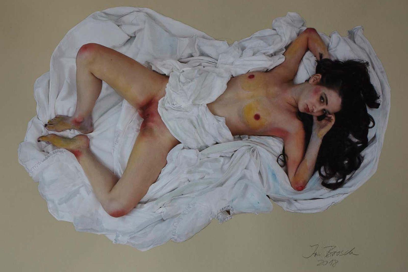 Mädchen mit Bettlaken