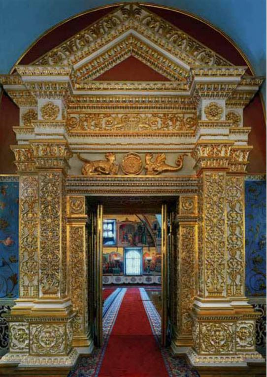 The door into the faceted Chamber, Kremlin, Moscow, Russia