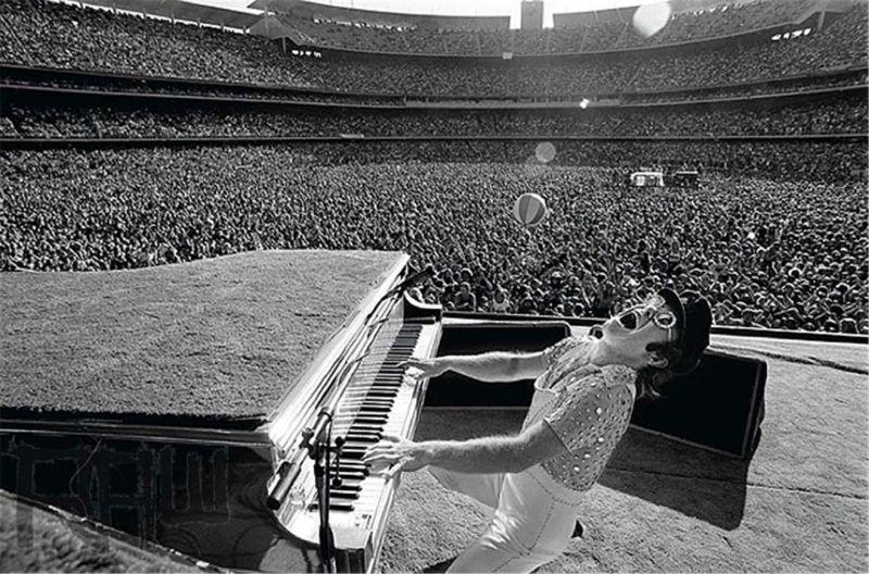 Elton John, Dodger Stadium